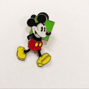 Disney Mickey Mouse trading pin